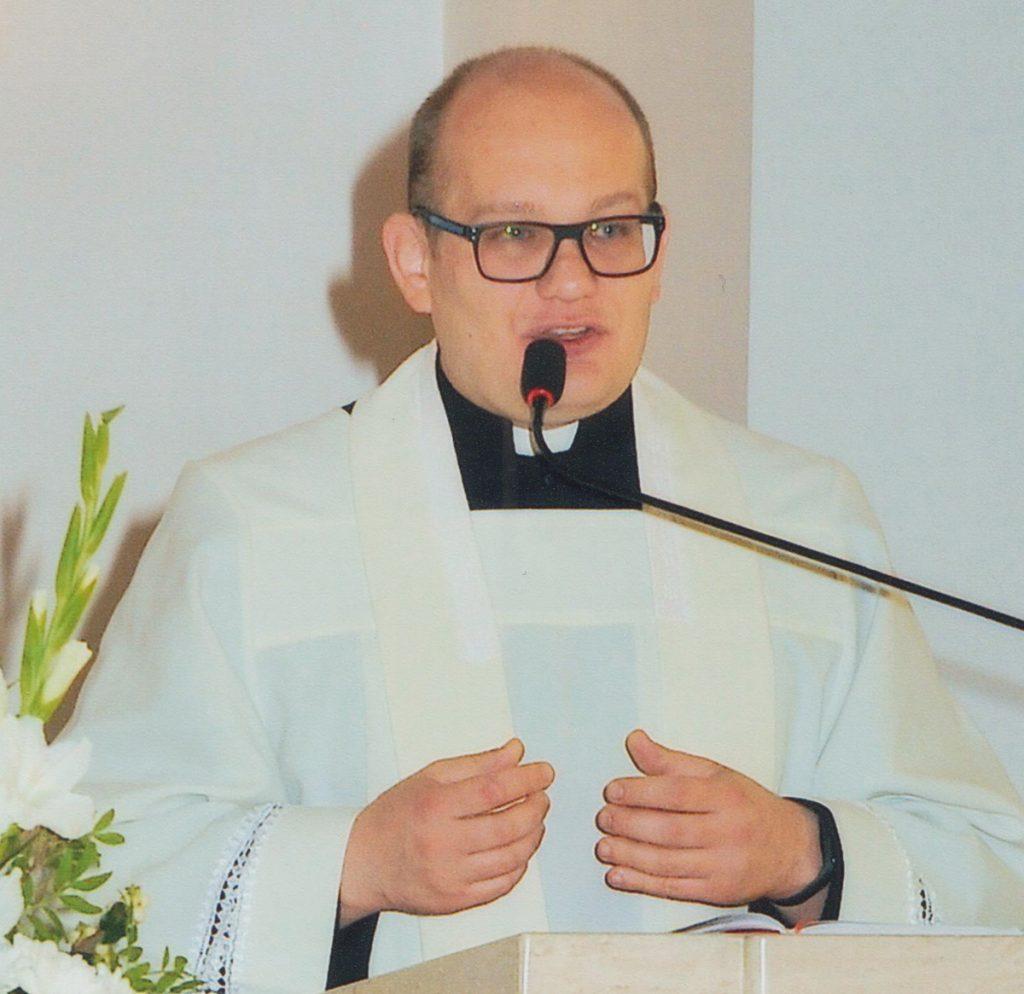 ksiądz gregorianka