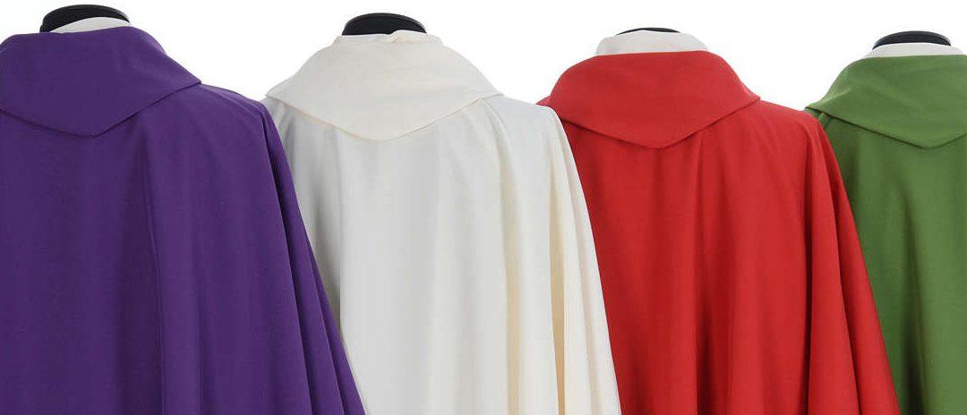 W czym księża sprawują Mszę świętą? Strój eucharystyczny – ornat
